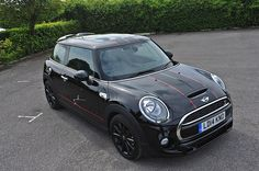 http://www.minif56.com/forum/761-mini-f56-pictures/10578-midnight-black-s-vipers.html