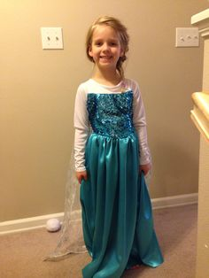 Frozen queen Elsa costume for Lily. Homemade adjusting a simplicity dress pattern. Diy