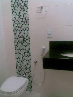 Resultado de imagem para banheiros com detalhes em pastilhas