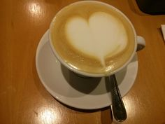Caffe latte at Papalomama