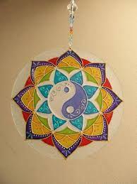 Imagen relacionada Mandala Art, Mandalas Drawing, Mandala Painting, Fabric Painting, Cd Crafts, Handmade Crafts, Arts And Crafts, Hamsa Art, Recycled Cds