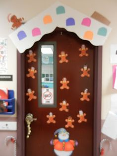 great idea for decorating a door for christmas