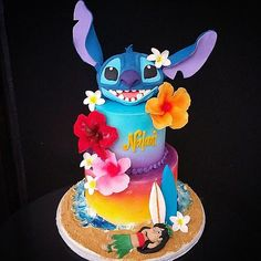 Some Cool Lilo & Stitch themed cakes / Lilo & Stitch cakes - Crust N Cakes Pretty Cakes, Cute Cakes, Beautiful Cakes, Amazing Cakes, Lilo And Stitch Cake, Lilo Et Stitch, Disney Birthday, Birthday Ideas, Crazy Cakes