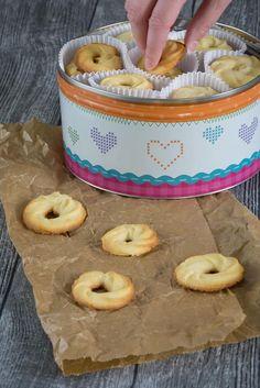 Home - Cakecookie Cookies Cupcake, Meringue Cookies, Biscuit Cookies, Brownie Cookies, Butter Biscuits Recipe, Biscuit Recipe, Sweet Bakery, Cookie Time, Healthy Treats