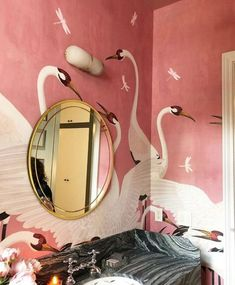 Heron Gucci Wallpaper 2019 Design Trend incredible wallpaper in a tiny bathroom The post Heron Gucci Wallpaper 2019 Design Trend appeared first on Dome Decoration. Home Interior, Bathroom Interior, Interior And Exterior, Interior Decorating, Bathroom Ideas, Decorating Tips, Bathroom Pink, Bathroom Remodeling, Bathroom Mural
