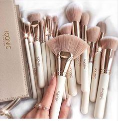 Skin Makeup, Beauty Makeup, Eye Makeup Designs, Makeup Makeover, Cute Makeup, Aesthetic Makeup, Makeup Routine, Makeup Brush Set, Makeup Tools