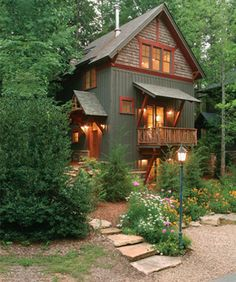 40 Small Rustic Cottage Exterior Design And Ideas Design Exterior, Exterior Paint Colors, Exterior House Colors, Modern Exterior, Rustic Exterior, Cafe Exterior, Restaurant Exterior, Bungalow Exterior, Exterior Shutters