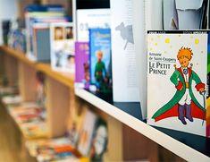 A BIBLIOTECA - Biblioteca Infantil Multilingue La bibliothèque infantile multilingue du Centre Universitaire des Beaux-Arts de São Paulo possède une collection de 11 000 œuvres dans différentes langues comme le portugais, le français, l'espagnol, le japonais, l'anglais, l'italien et même l'allemand pour les enfants de 0 à 15 ans. L'espace, en accès libre, a également une salle de jeux. Centro Universário Belas Artes de São Paulo Rua Doutour Álvaro Alvim, 90…