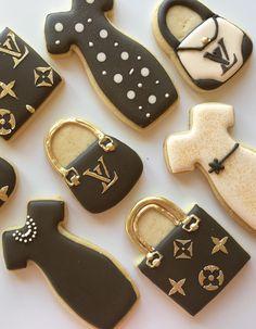 Bolacha Cookies, Galletas Cookies, Iced Cookies, Cute Cookies, Royal Icing Cookies, Cupcake Cookies, Sugar Cookies, Louis Vuitton Cake, Birthday Cookies