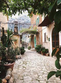 10 Prettiest Places To Visit In Mallorca   Girl vs Globe