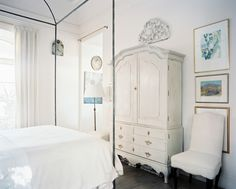 Nordic French inspired white bedroom/Kay O'Toole