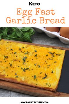 Egg and cream cheese are combined to form a soft base for this egg fast friendly. - Egg and cream cheese are combined to form a soft base for this egg fast friendly garlic bread recip - Eggfast Recipes, Bread Recipes, Appetizer Recipes, Healthy Recipes, Flour Recipes, Cheese Recipes, Keto Foods, Fast Dinners, Easy Meals