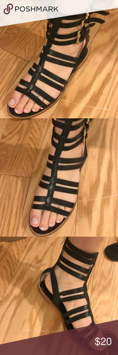 Banana Republic size 8 gladiator sandals Really comfortable gladiator sandals size 8 black leather and buckle! All worn-ness shown in pictures Banana Republic Shoes Sandals