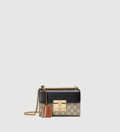 Browse our mini bags for a refined and contemporary look. Find the Gucci Soho Disco bag with leather tassel zip pull and subtle GG signature at Gucci. Stylish Handbags, Gucci Handbags, Designer Handbags, Luxury Gifts For Women, Gucci Padlock, How To Make Leather, Soft Leather Handbags, Leather Bags, Leather Key Holder