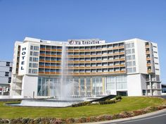 The Hotel VIP Executive Azores, located in Ponta Delgada on the island of Sao Miguel, has 229 rooms, including 9 suites, 4 triples and 9 prepared for people with special needs rooms. Description from tripadvisor.ca. I searched for this on bing.com/images