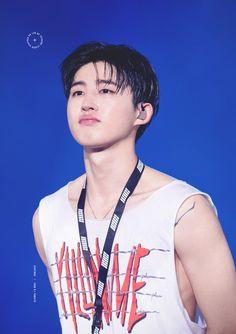 don't cryyyyyy my leader 😢 Kim Hanbin Ikon, Chanwoo Ikon, Love You The Most, Big Love, Bobby, Ikon Leader, Rapper, Yg Artist, Winner Ikon