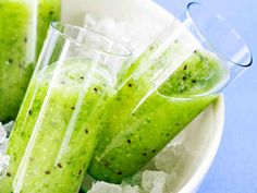 Vihreä tehojuoma Smoothie Recipes, Smoothies, I Love Food, Celery, Pickles, Cucumber, Watermelon, Cabbage, Fruit