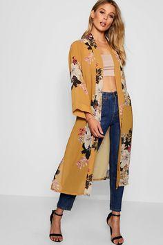 Floral Maxi Kimono Boohoo - pinupi love to share Mode Abaya, Mode Hijab, Long Kimono Outfit, Floral Kimono Outfit, Kimono Style, Kimono Fashion, Fashion Dresses, Long Shrug, Look Fashion
