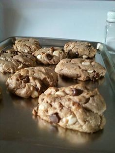 Kate's Kitchen: Gluten, Dairy, Sugar... Who needs 'em? low carb chocolate chip cookies...