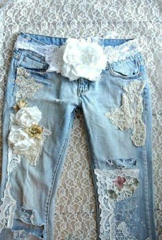 A SALE Romantic lace top, Ombre shirt, boho chic clothes, altered, bohemian… Shabby Chic Outfits, Ropa Shabby Chic, Boho Chic, Shabby Chic Jeans, Bohemian Style, Denim And Lace, Diy Lace Jeans, Denim Jeans, Floral Jeans