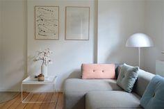 Sommervorgeschmack und Winterwiederkehr: der April auf SoLebIch.de   Foto von Mitglied Schmasonnen #SoLebIch #wohnzimmer #livingroom #spring #frühling #pastell #rosa #hay