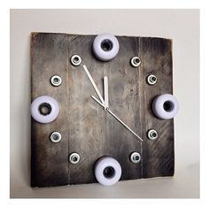How to make a Time to Skate clock with recycled skateboards and pallet wood.