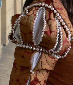 Tudor era Venetian gown - sleeve detail