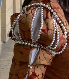 Tudor era Venetian gown - sleeve detail