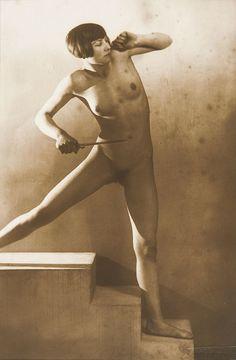 FRANTIŠEK DRTIKOL (1883-1961) Étude de nu, 1 - by Tajan