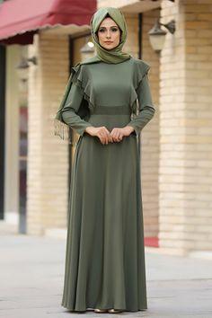 Gizem Kış Haki Rüya Elbise Stylish Dress Designs, Stylish Dresses, Casual Dresses, Muslim Fashion, Hijab Fashion, Fashion Dresses, Women's Fashion, Hijab Evening Dress, Evening Dresses