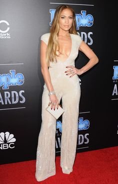 Best Dressed at the People Magazine Awards: From Jennifer Lopez, Kate Upton, and Mindy Kaling