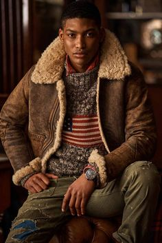 Polo Ralph Lauren Fall 2020 Menswear Fashion Show Collection: See the complete Polo Ralph Lauren Fall 2020 Menswear collection. Look 16 Polo Ralph Lauren, Ralph Lauren Style, Fashion Show, Mens Fashion, Farm Fashion, Dress With Boots, Mannequins, Menswear, Coat
