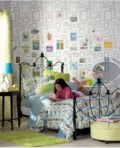 Fun and perky wallpaper and duvet fit for any teen