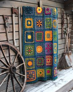 kalevala-peitto Blanket, Projects, Diy, Koti, Crochet Things, Afghans, Crocheting, Decoration, Bed Covers