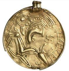 Nordic  amulet 450-550. Gold.  Scandinavia (Region). | © Foto: Münzkabinett der Staatlichen Museen zu Berlin - Preußischer Kulturbesitz Fotograf/in: Lutz-Jürgen Lübke