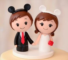 Cake Toppers Studio -- Custom Wedding Cake Toppers