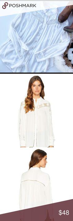 9c29bbc754537 FREE PEOPLE WOMEN BUTTON DOEN WHITE AHIRT. SIZE XS Free People Button Down  Shirt Relaxed