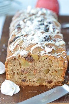 Appeltaart brood - Carola Bakt Zoethoudertjes Dutch Recipes, Apple Recipes, Bread Recipes, Baking Recipes, Cooking Bread, Easy Cooking, Bread Baking, Cake Recept, Our Daily Bread