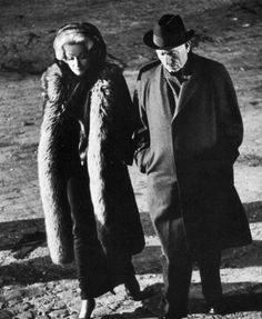 """Marlene Dietrich y Spencer Tracy durante el rodaje de """"Vencedores o Vencidos"""" (Judgment at Nuremberg), 1961 Golden Age Of Hollywood, Vintage Hollywood, Classic Hollywood, In Hollywood, Avengers 2012, Bruce Banner, Marlene Dietrich, Rita Hayworth, X Men"""