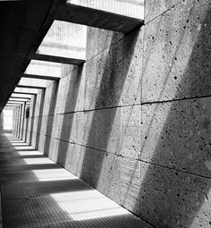 Light and Architecture - USA MOTEL shadows is hallway ideas .noir et blanc look Architecture Ombre, Shadow Architecture, Detail Architecture, Concrete Architecture, Industrial Architecture, Space Architecture, Installation Architecture, Drawing Architecture, Concrete Building