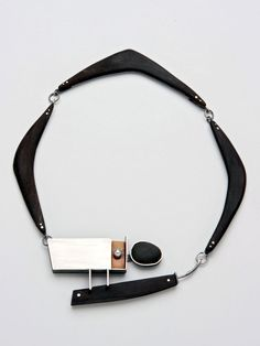 Laurie Hall (Ramona Solberg's student), 'Boomerang' necklace - silver, ebony, beach pebble, pearl, bakelite