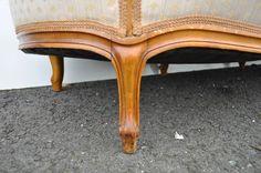 Faragott bútorláb Vanity Bench, Table, Furniture, Home Decor, Decoration Home, Room Decor, Tables, Home Furnishings, Home Interior Design