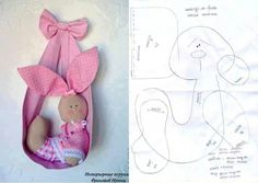 perfect for a baby girl arrival Sewing Toys, Baby Sewing, Sewing Crafts, Sewing Projects, Quilt Baby, Felt Dolls, Doll Toys, Felt Crafts, Easter Crafts