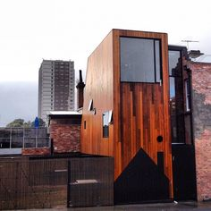 From Melbourne Open House: Andrew Maynard's HOUSE House. Photo by wei_jien Innovative Architecture, Architecture Old, Amazing Architecture, Mini Loft, Narrow House, Open House, Building Ideas, Building A House, Urban Fabric