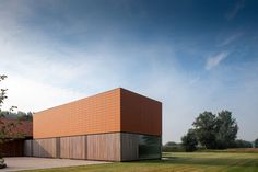 The Barn is a project completed by Pascal François Architects and located in Aalst, Flanders, Belgium. The minimalist design of the interior gives it an air of peace and serenity. Photos courtesy of Pascal François Architects
