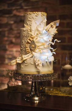 unique gatsby inspired wedding cake