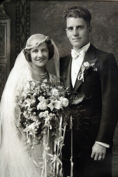 +~+~ Vintage Photograph ~+~+ Herbert and Lucy on their wedding day in 1933