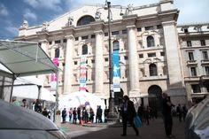 Piazza Affari: il Palazzo della Borsa e la bolla del Job Matchpoint