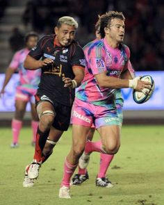 Back-row forward Jerry Collins has joined second-flight French club Narbonne as a stop-gap for the injured Rocky Elsom. The 34-year-old Collins has played in France before, at Toulon 2008-2009 season, after seven seasons at Wellington. He captained the All Blacks three times and played his last international for them in 2008. (20.01.2015)