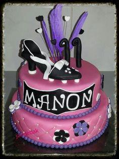 Pink cake with a football pump / shoe *************** Roze taart met een voetbal pump / schoen